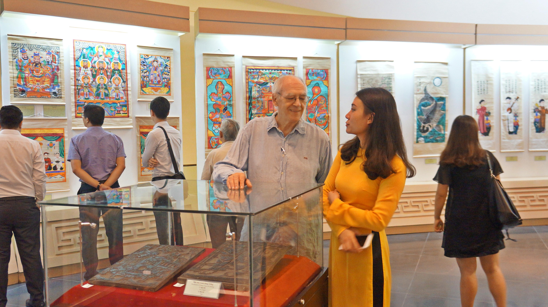 twelve typical vietnamese folk paintings exhibit in ha noi hinh 2