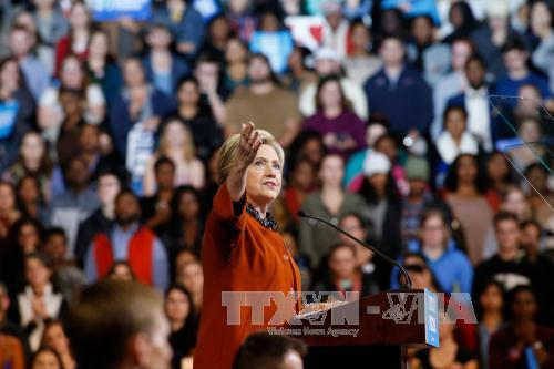 US election 2016: Hillary Clinton has the upper hand