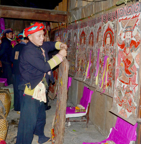 worship paintings of vietnam's northern ethnic groups hinh 4
