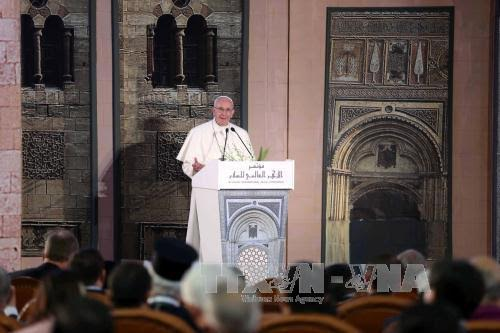 Pope's visit to Egypt highlights Christian-Muslim unity against violence